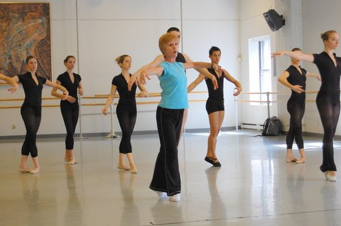 Louise Lester master class with Ballet Divertimento