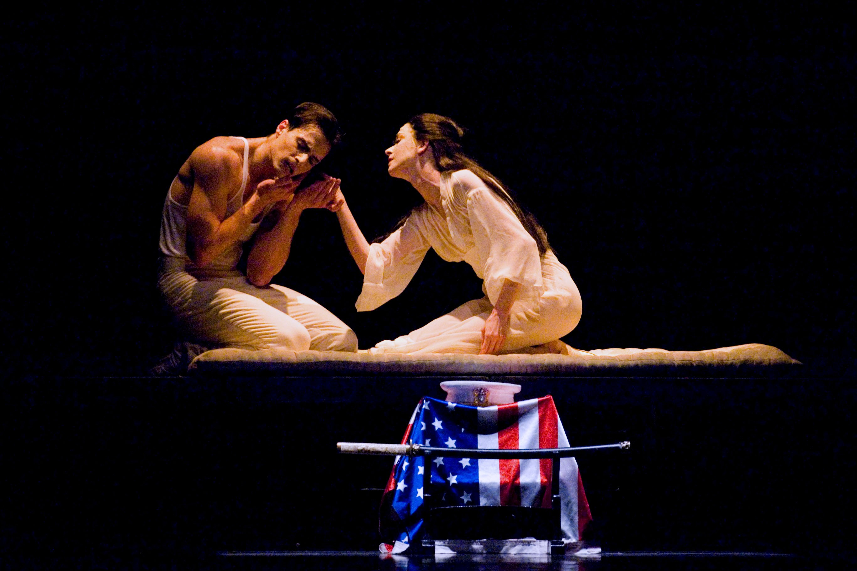 Madame Butterfly: Madame Butterfly_Dancers: Simon Ball And Barbara Bears