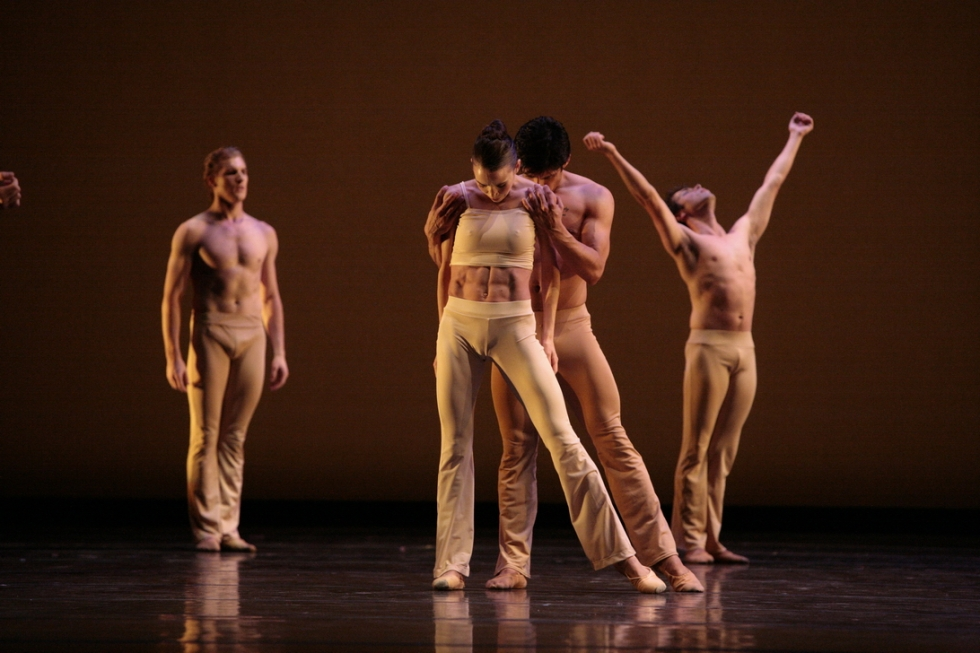 Dancers: Amy Fote and Artists of Houston Ballet; Photo: Amitava Sarkar