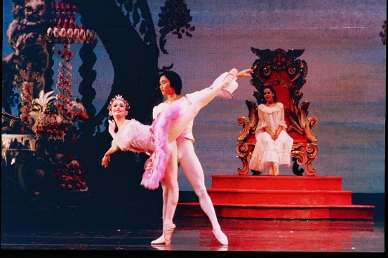 The Nutcracker_Janie Paker and Li Cunxin_Photo Jim Caldwell