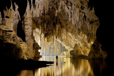Cave Lake Image